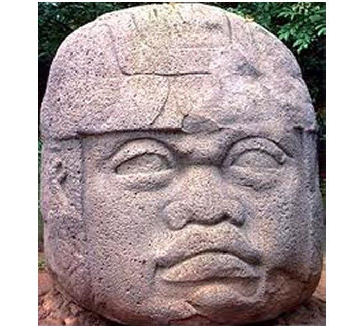 奥尔梅克(Ommec)在中美洲的形成时期蓬勃发展,大约可追溯到公元前1400年至约公元前400年。 被认为已经设定了后来墨西哥和中美洲美洲印第安文化所证明的许多基本模式,尤其是玛雅人和阿兹台克人。