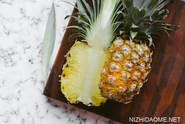 菠萝用盐水泡了一夜还能吃吗 盐水泡菠萝可以过夜吗
