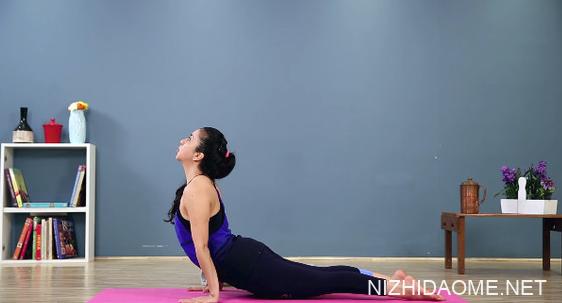 掰掰袖怎么瘦 6招瑜珈练成无赘肉手臂