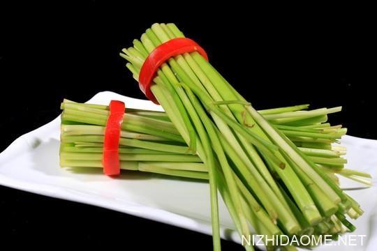 水芹菜与野芹菜的区别 水芹菜人可以吃吗