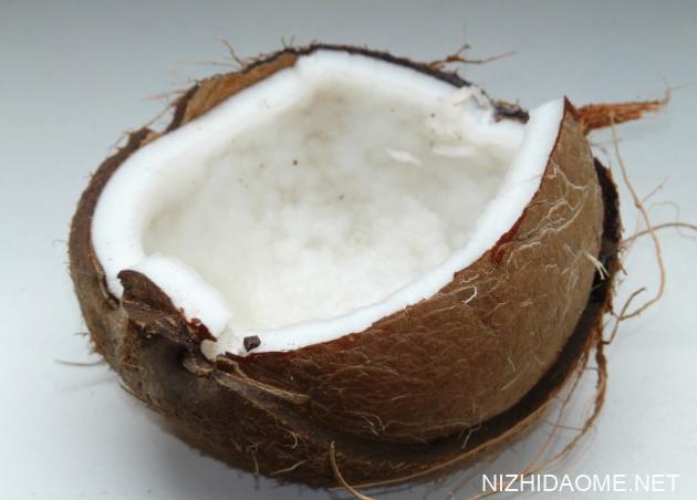 青椰子和老椰子的区别 青椰子和白椰子有什么区别