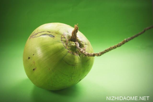 软的椰子肉是什么椰子品种 软的椰子肉可以煲汤吗