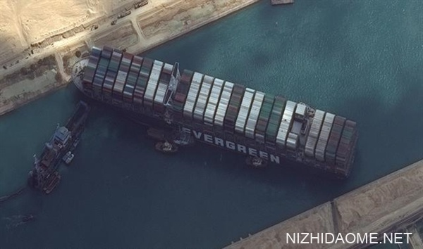 终于解脱了!堵塞苏伊士运河货轮恢复正常航线