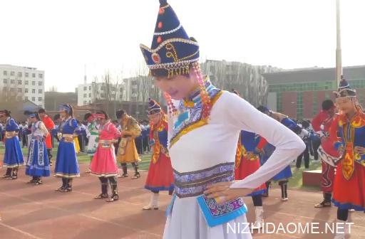 3千名学生课间齐跳蒙古舞 网友点赞:既锻炼身体又弘扬民族文化