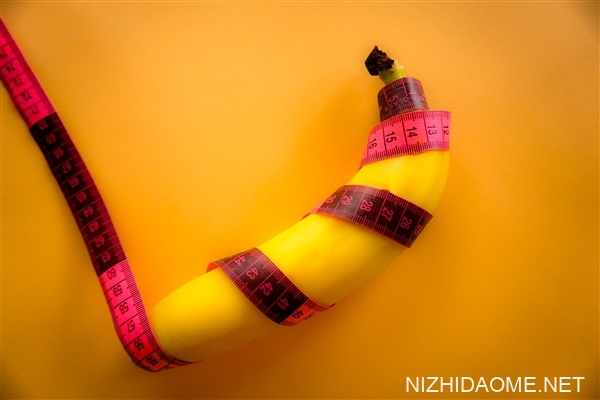 塑料污染加剧致男性阴茎变小:2045年多数将无法产出有活力的精子