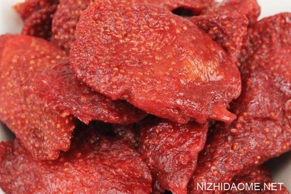 草莓干可以做牛轧糖吗 草莓干可以做成草莓脆吗