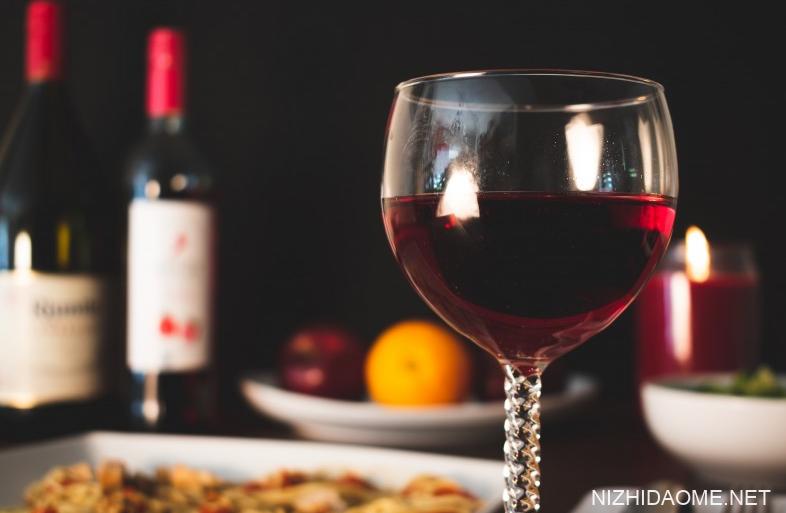 喝红酒的好处和坏处 喝红酒的好处与功效