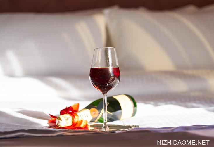 红酒开瓶后能放多久 红酒打开多久就不能喝了