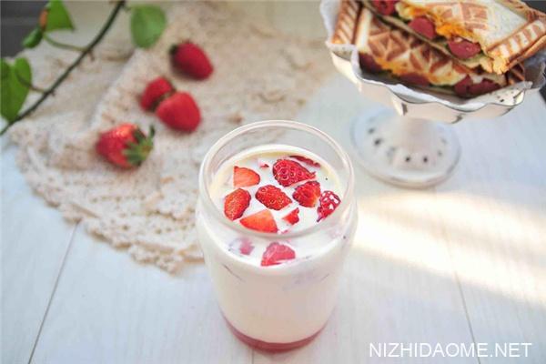 牛奶是脱脂的好还是全脂的好 牛奶减肥期间可以喝吗