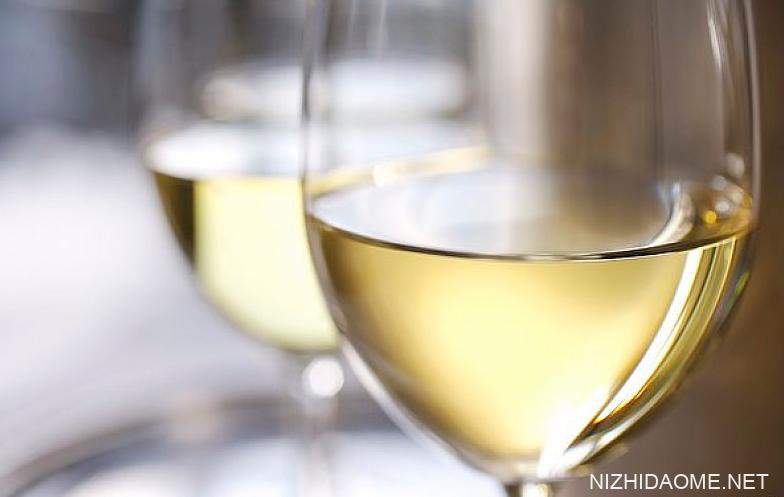 半干白葡萄酒好喝吗 半干白葡萄酒哪种好喝