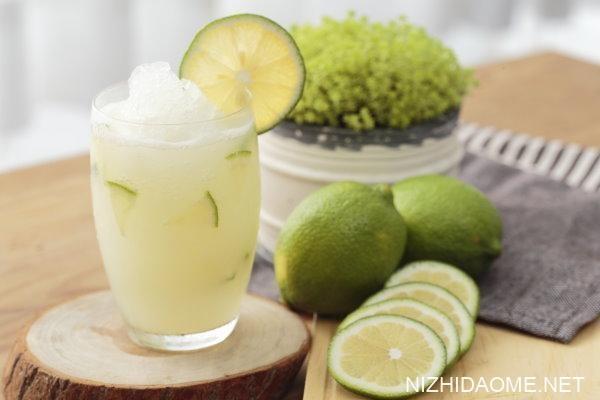 柠檬榨汁有什么功效 柠檬榨汁可以减肥吗