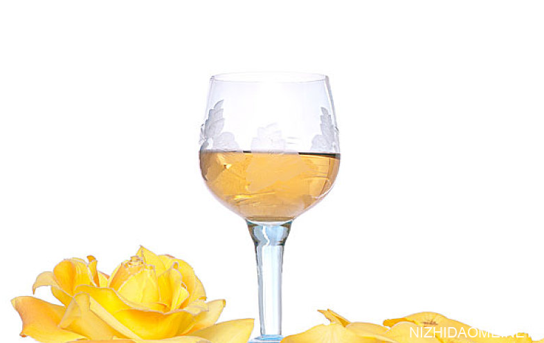 半甜白葡萄酒怎么喝 半甜白葡萄酒需要醒吗