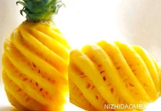 菠萝为什么要用盐水泡 菠萝用盐水泡多久能吃