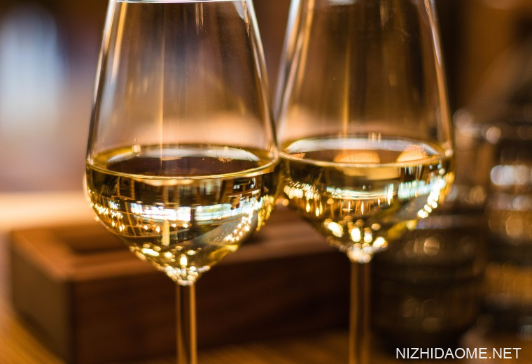 白葡萄酒配什么菜比较好 白葡萄酒配什么食物