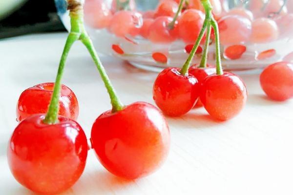 樱桃怎么去核比较快 樱桃泡酒需要去核吗