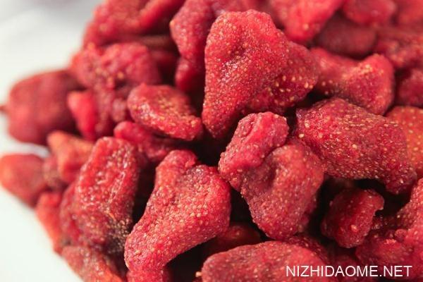 草莓干热量高吗 吃草莓干会胖吗