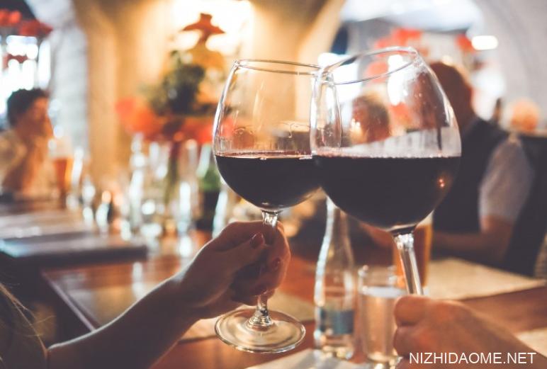 睡前喝红酒对女人有什么好处?睡前喝红酒多少毫升合适