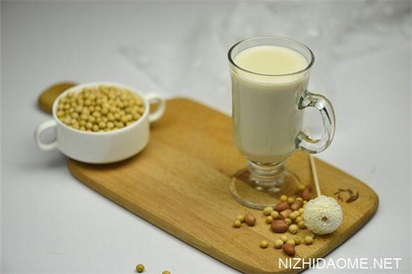 豆奶和豆浆的区别 豆奶和牛奶哪个好