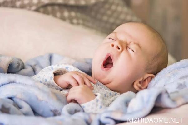 宝宝溢奶还能再吃吗 宝宝吐奶后还可以再喂吗