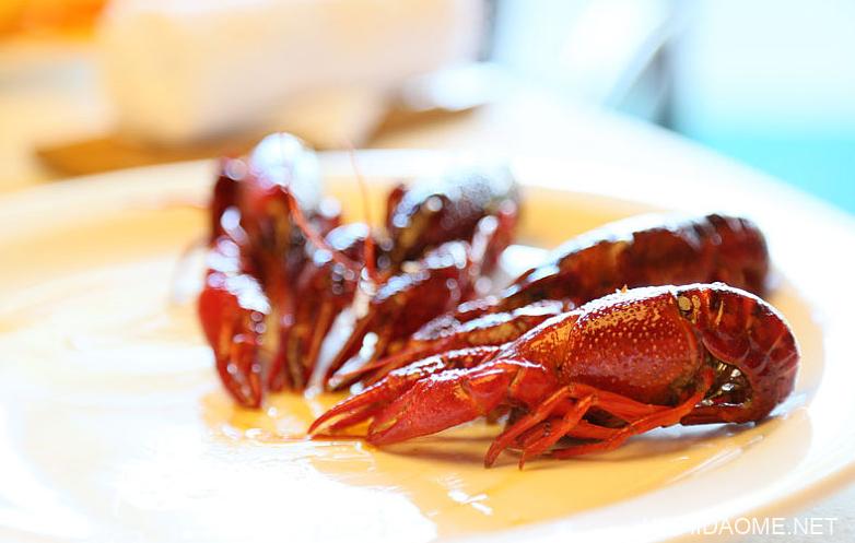 小龙虾虾头的黄能吃吗 小龙虾虾头里面黄黄的是什么