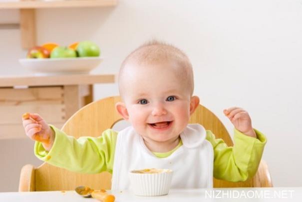 婴儿吐奶为什么会从鼻子出来 婴儿吐奶为什么是清奶水